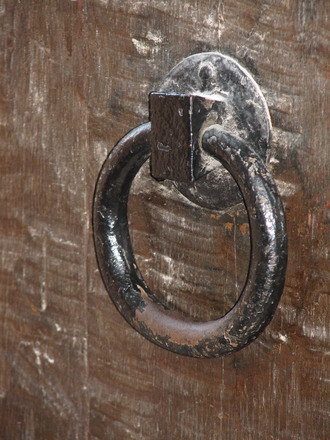 old-door-handle-1232158
